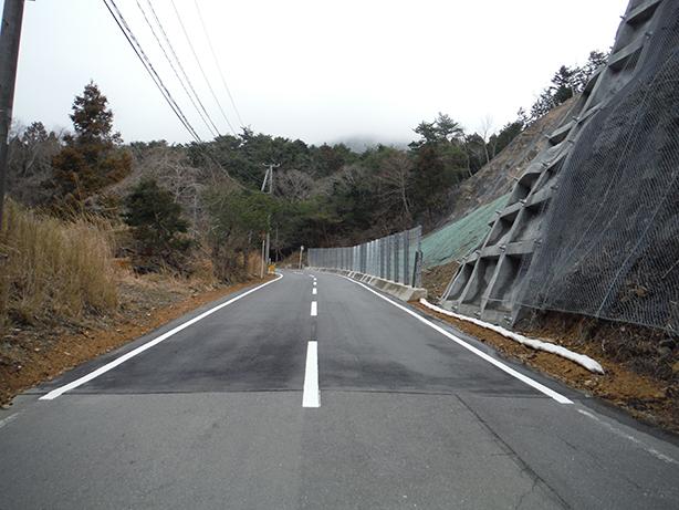 鮎川新山線ほか5路線道路災害復旧工事03